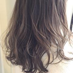 アッシュグレージュ 透明感 グレージュ ロング ヘアスタイルや髪型の写真・画像