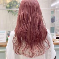 フェミニン ロング ピンク ピンクベージュ ヘアスタイルや髪型の写真・画像