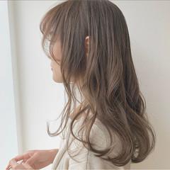 ナチュラル ベージュカラー 巻き髪 ロング ヘアスタイルや髪型の写真・画像