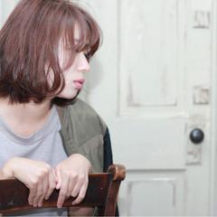 秋 外ハネ ピンク 大人女子 ヘアスタイルや髪型の写真・画像