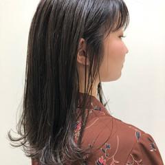 外国人風カラー ナチュラル ミディアム アッシュグレージュ ヘアスタイルや髪型の写真・画像