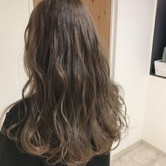 上品 ハイライト デート セミロング ヘアスタイルや髪型の写真・画像