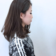 グレー セミロング 暗髪 ストリート ヘアスタイルや髪型の写真・画像