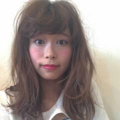 セミロング 外国人風 春 グレージュ ヘアスタイルや髪型の写真・画像