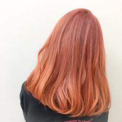 ロング イエロー ハイトーン オレンジ ヘアスタイルや髪型の写真・画像