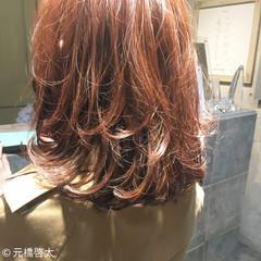 フェミニン 色気 ミルクティー ミディアム ヘアスタイルや髪型の写真・画像
