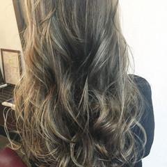 ヌーディベージュ ナチュラル ハイライト グレージュ ヘアスタイルや髪型の写真・画像