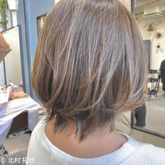 ボブ シアーベージュ 透明感カラー ブリーチオンカラー ヘアスタイルや髪型の写真・画像