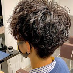 メンズマッシュ メンズ スパイラルパーマ メンズカット ヘアスタイルや髪型の写真・画像