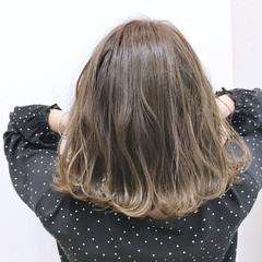 グレージュ ハイライト ボブ 外国人風 ヘアスタイルや髪型の写真・画像