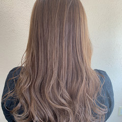 アンニュイほつれヘア ヌーディベージュ ロング ベージュ ヘアスタイルや髪型の写真・画像