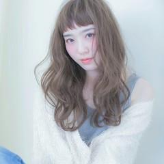 透明感 外国人風 フェミニン アッシュ ヘアスタイルや髪型の写真・画像