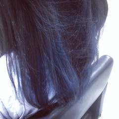 ハイトーンカラー ブルージュ セミロング インナーカラー ヘアスタイルや髪型の写真・画像