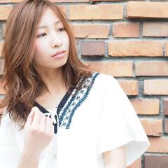 ハイライト セミロング ウェットヘア アッシュ ヘアスタイルや髪型の写真・画像