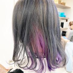 インナーカラーパープル インナーカラーレッド インナーカラー インナーカラーグレージュ ヘアスタイルや髪型の写真・画像