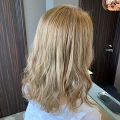 フェミニン ホワイトベージュ ベージュ セミロング ヘアスタイルや髪型の写真・画像