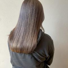 ラベンダーグレー ハイトーン ミルクティーベージュ モード ヘアスタイルや髪型の写真・画像