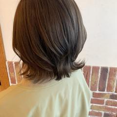大人ショート ナチュラル アッシュグレー ボブ ヘアスタイルや髪型の写真・画像
