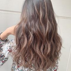 ミルクティーベージュ デート ヘアアレンジ ロング ヘアスタイルや髪型の写真・画像