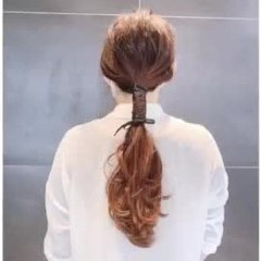 紐アレンジ ローポニーテール ロング ポニーテール ヘアスタイルや髪型の写真・画像