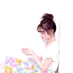 ガーリー お団子 ヘアアレンジ パーマ ヘアスタイルや髪型の写真・画像