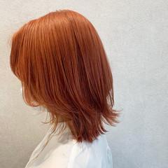 オレンジベージュ モード ミディアム ダブルカラー ヘアスタイルや髪型の写真・画像