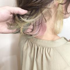 インナーカラー パステルカラー フェミニン ミディアム ヘアスタイルや髪型の写真・画像