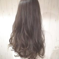 ロング 透明感 アッシュ ベージュ ヘアスタイルや髪型の写真・画像