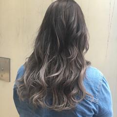 外国人風 ガーリー シルバー グラデーションカラー ヘアスタイルや髪型の写真・画像