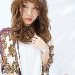 大人かわいい アッシュ フェミニン 外国人風 ヘアスタイルや髪型の写真・画像