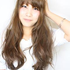 アッシュベージュ アッシュ 外国人風 ロング ヘアスタイルや髪型の写真・画像