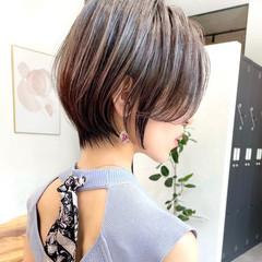 インナーカラー ショートボブ ナチュラル ベリーショート ヘアスタイルや髪型の写真・画像