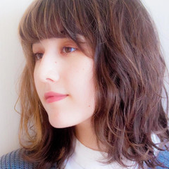 無造作パーマ 外国人風 アンニュイ ハイライト ヘアスタイルや髪型の写真・画像