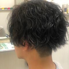 メンズパーマ スパイラルパーマ 無造作パーマ ショート ヘアスタイルや髪型の写真・画像