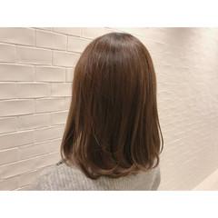 ナチュラル オフィス ミディアム ブラウン ヘアスタイルや髪型の写真・画像