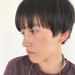ブリーチ ベージュ ショート ナチュラル ヘアスタイルや髪型の写真・画像
