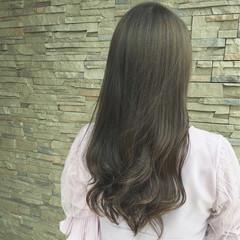 グレージュ 大人かわいい アンニュイ ウェーブ ヘアスタイルや髪型の写真・画像