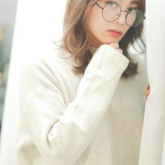 ウルフカット シアーベージュ ミディアムレイヤー ミディアム ヘアスタイルや髪型の写真・画像