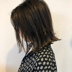 グレージュ アッシュベージュ ストリート 外国人風 ヘアスタイルや髪型の写真・画像