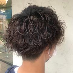 メンズパーマ ツイスト ショート スパイラルパーマ ヘアスタイルや髪型の写真・画像