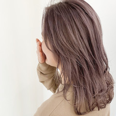 ラベンダーアッシュ 極細ハイライト ラベンダーグレージュ 透明感カラー ヘアスタイルや髪型の写真・画像