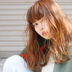ストリート ウェットヘア 春 セミロング ヘアスタイルや髪型の写真・画像