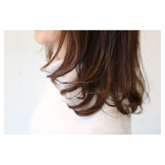 イルミナカラー 大人女子 大人かわいい ハイトーン ヘアスタイルや髪型の写真・画像