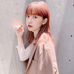 ベリーピンク フェミニン ミディアム ピンクブラウン ヘアスタイルや髪型の写真・画像