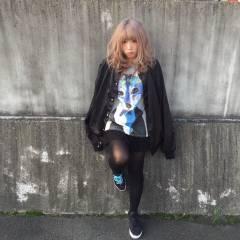 ミディアム ストリート 外国人風 シルバーアッシュ ヘアスタイルや髪型の写真・画像