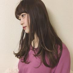 前髪あり ロング デート フェミニン ヘアスタイルや髪型の写真・画像