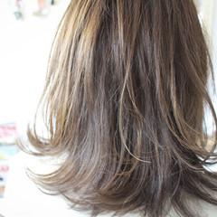 色気 ボブ ミディアム アッシュ ヘアスタイルや髪型の写真・画像