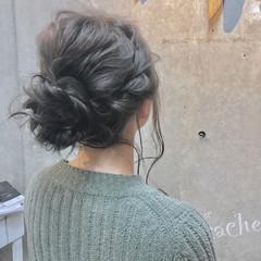 セミロング カーキアッシュ 簡単ヘアアレンジ ナチュラル ヘアスタイルや髪型の写真・画像
