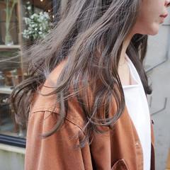 グレージュ ナチュラル カーキ 地毛風カラー ヘアスタイルや髪型の写真・画像