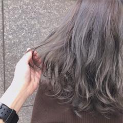 ゆるふわ グレージュ 外国人風カラー ナチュラル ヘアスタイルや髪型の写真・画像